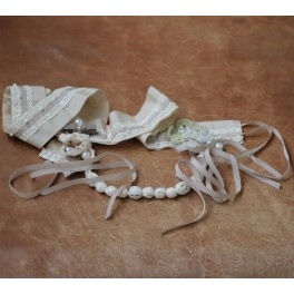 https://www.standmercerie.fr/1185-thickbox_default/ceinture-en-gros-grain-dentelle-perles-et-tulle-beige.jpg